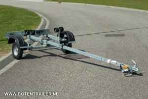 Boottrailer IZI 30 voor boten tot 5 meter.