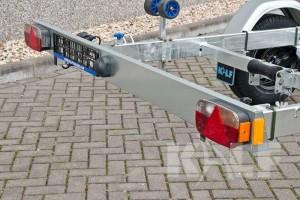 Kielboottrailer Kalf Basic 1500-62 boottrai;ler achterlicht op lichtbalk