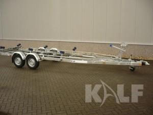 Sloeptrailer Kalf Basic 3500-82 boottrailer vooraanzicht
