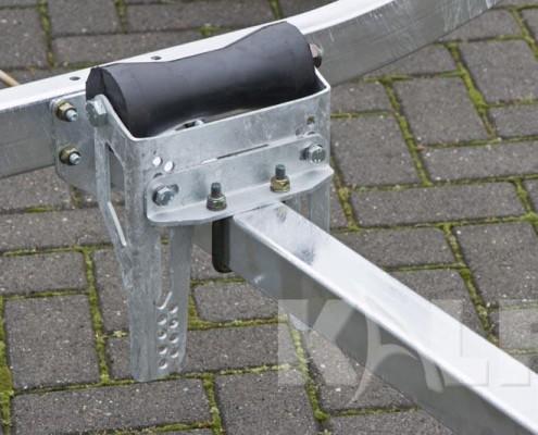 Kalf sloeptrailer R 1100-57 kielrol verstelbaar