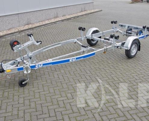 Kalf sloeptrailer R 1300-57 geremde enkelas voor boten tot 6,2 meter