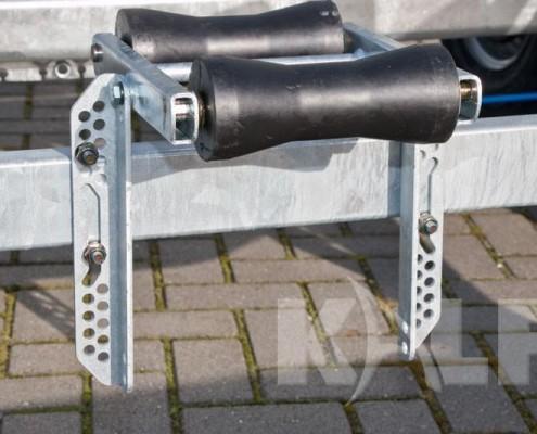 Sloeptrailer Kalf S 3500-74 rubberen kielrollen in hoogte verstelbaar